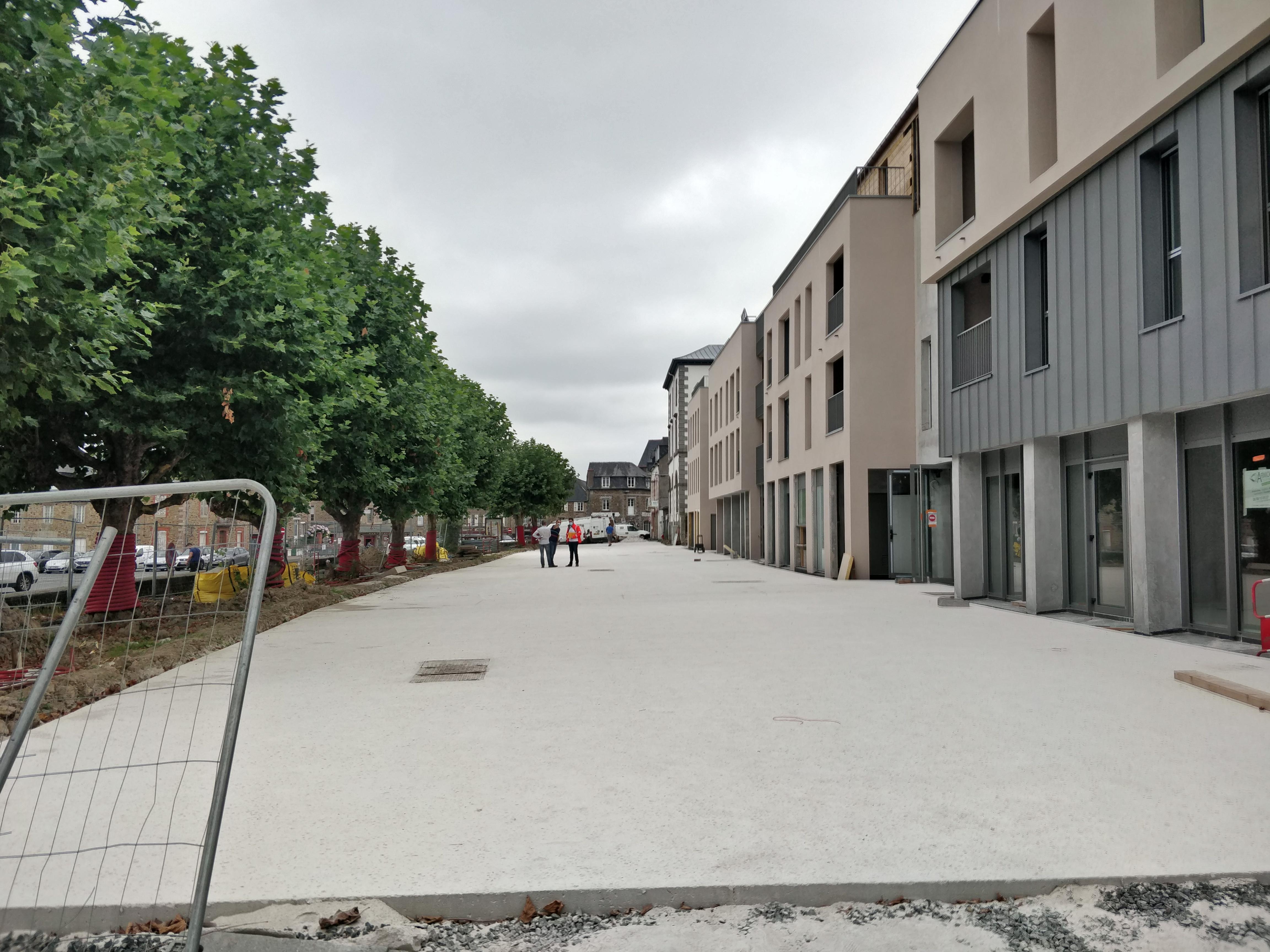 Sept 2021: l'Esplanade du Haras à Lamballe (22) est en travaux
